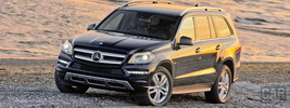Mercedes-Benz GL450 US-spec - 2013