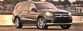 Mercedes-Benz GL550 AMG Sports Package US-spec