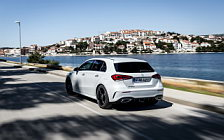 Обои автомобили Mercedes-Benz A 180 d AMG Line - 2018