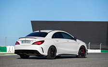 Обои автомобили Mercedes-AMG CLA 45 4MATIC - 2016