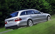 Обои автомобили Mercedes-Benz E55 AMG Estate - 2003