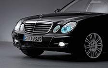 Обои автомобили Mercedes-Benz E-class Avantgarde - 2006