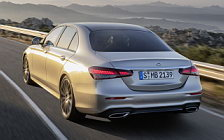 Обои автомобили Mercedes-Benz E-class AMG Line - 2020